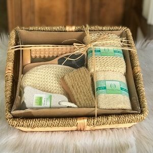 NWT Foot & Body Gift Set